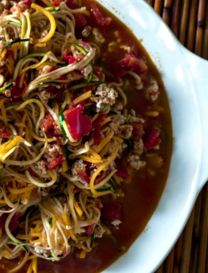 tri-squash-zoodles-with-fresh-tomato-sauce-chicken-680-1a