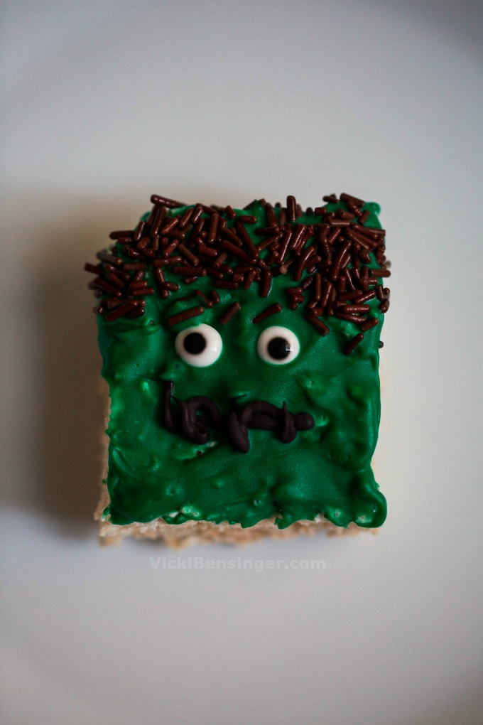 frankenstein-rice-krispy-treats-1
