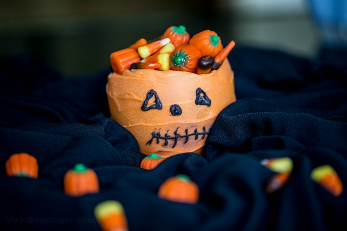 halloween-cauldron-4b