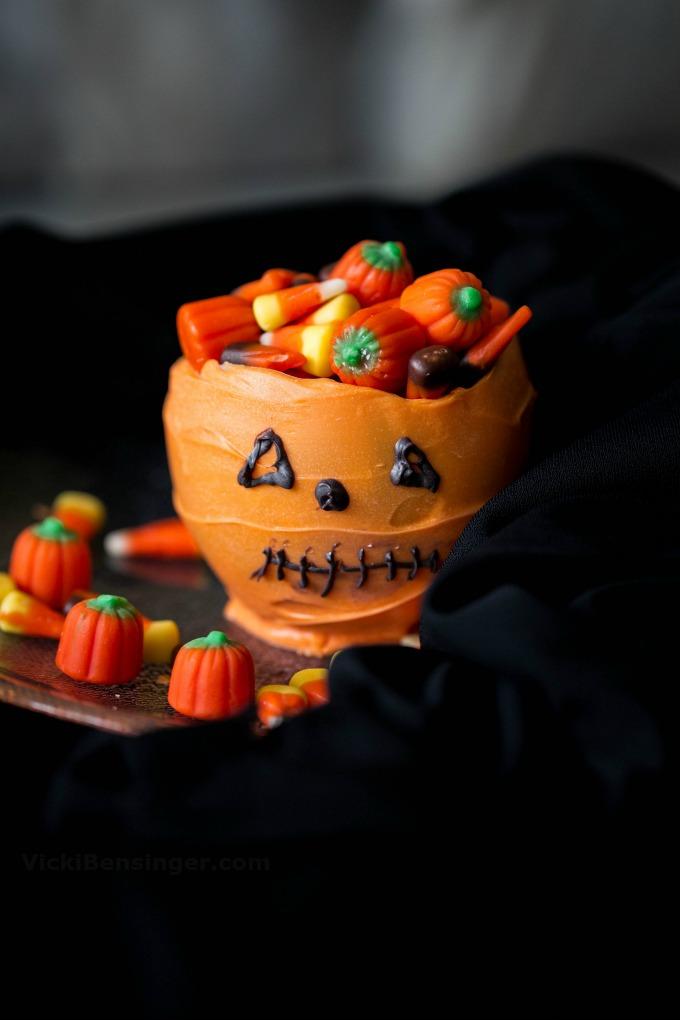 halloween-cauldron-a