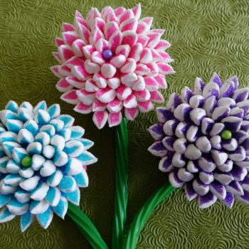 Mum Cupcake Bouquet made with cupcakes, marshmallows and colored sugar